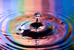 rainbow drop by AstridT