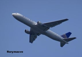 United Airlines Boeing 767-322(ER) N660UA by The-Transport-Guild