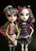 The Scaris Beauties by GothicKitta