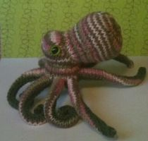 pink/green/brown octopus by Faye-ohki