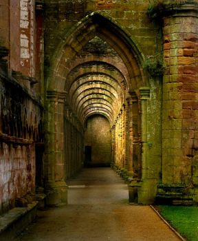 Fountains Abbey by gerarduk62