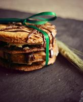 Peanubutter-Nutella-filled double Cookie by alina-ay