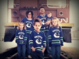 Canuck crazy family by PeAcHesSwEeTiE