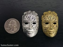 Dreamer Mask Pendant (3D printed) by Lumecluster