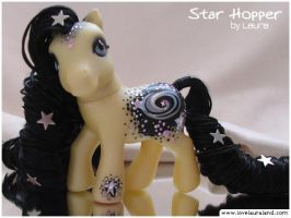 Star Hopper pony by customlpvalley
