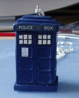 TARDIS Necklace by amia33