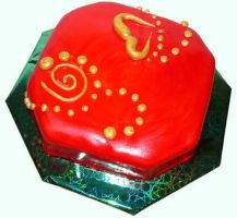 Red and gold cake by monarte