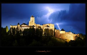 - Castle under Storm attack - by UNexperienced