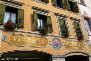 Farmacia Perale by Wendybell80