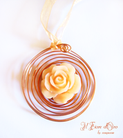 Kiss from a rose - necklace by rosepeonie