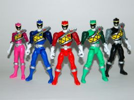 Dino Charge Ranger Figures 01 by LinearRanger