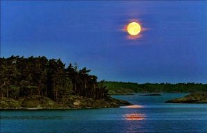 Arcipelago September Evening Moon by eskile