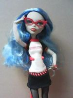 Smart Ghoul Ghoulia by MarieLoup