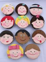 Kids faces Cupcakes by Verusca