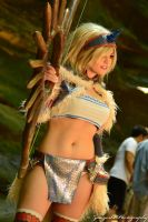 Allyson cosplays from Monster Hunter by N1k0nSh00ter