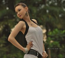 on pose by hirza