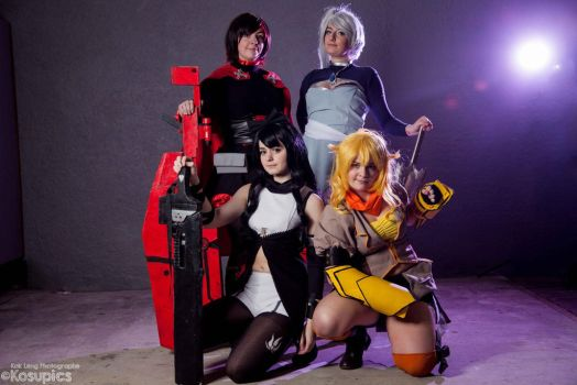 RWBY by AckuaCosplay