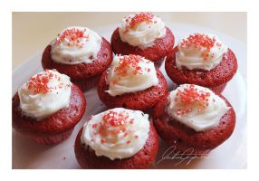 Mini Valentine Red Velvet Cupcakes by VintageWarmth