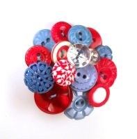 Blue Red White Vintage Button Brooch by annjepsen