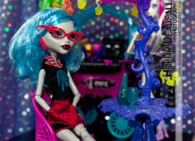 Ghoulia does Coffee- Monster High by hokum-deadfall