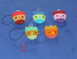 Series of amigurumi owl keychains (on Etsy) by VilDeviant