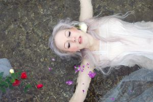 ophelia by Ernisternibaby