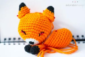 sleepy fox 2 in progress by tinyowlknits