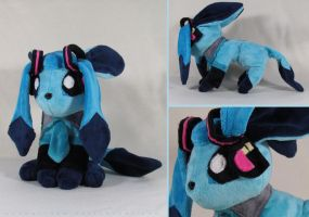 Glaceon Miku cosplay by MagnaStorm