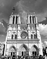 Notre Dame, Paris by StandardTeddy