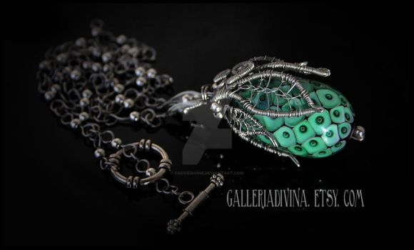 Magic plant pendant by Faeriedivine