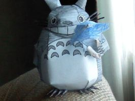 Paper Craft Totoro by Inuranchan