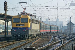 V43 2255 with passenger train by morpheus880223