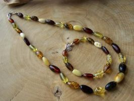 Amber Necklace and bracelet by MadOnion1