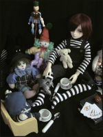 Tea With Friends by nineveh-resin-family