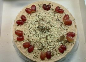 Mocca and raspberry cheese cake by chrysanthemus