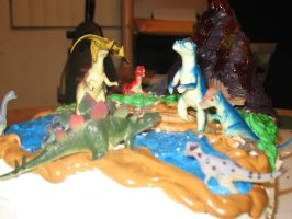 Dinosaurs on the cake by Alielove19