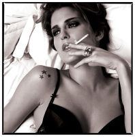 Ne me Quitte pas by hollowone