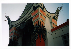Grauman's Chinese Theatre02 by psychogizmo