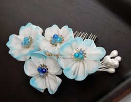 Blue and White Sakura Kanzashi Comb by hanatsukuri