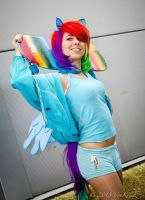 Rainbow Dash Cosplay by GlitterHellraiser