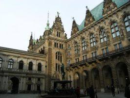 Rathaus by DamaInNero