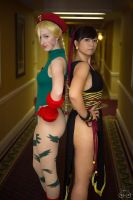 Cammy x Chun-Li Cosplay by LexLexy