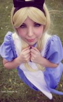 Alice in Wonderland - Cosplay by Thecrystalshoe