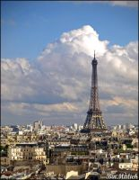 Cloudy day in Paris by binmalieh