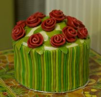 Ribbon rose cake by Trishap