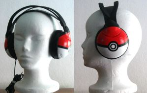 Headphones - Pokeballs by tomo-chi