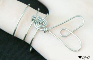 Love Wire Ring by Dj-0