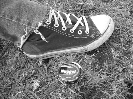 Converse grass and...?? by autumnat