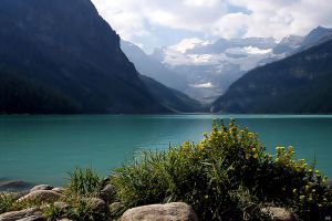 Outing on Lake Louise by mikelly
