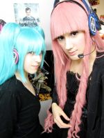 DeviantID - Luka And Miku by Cherry-Blossom-Bliss